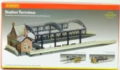 Hornby R8009 Station Terminus